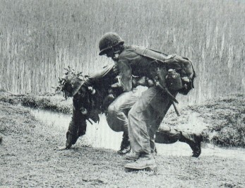 1st Cav helping wounded